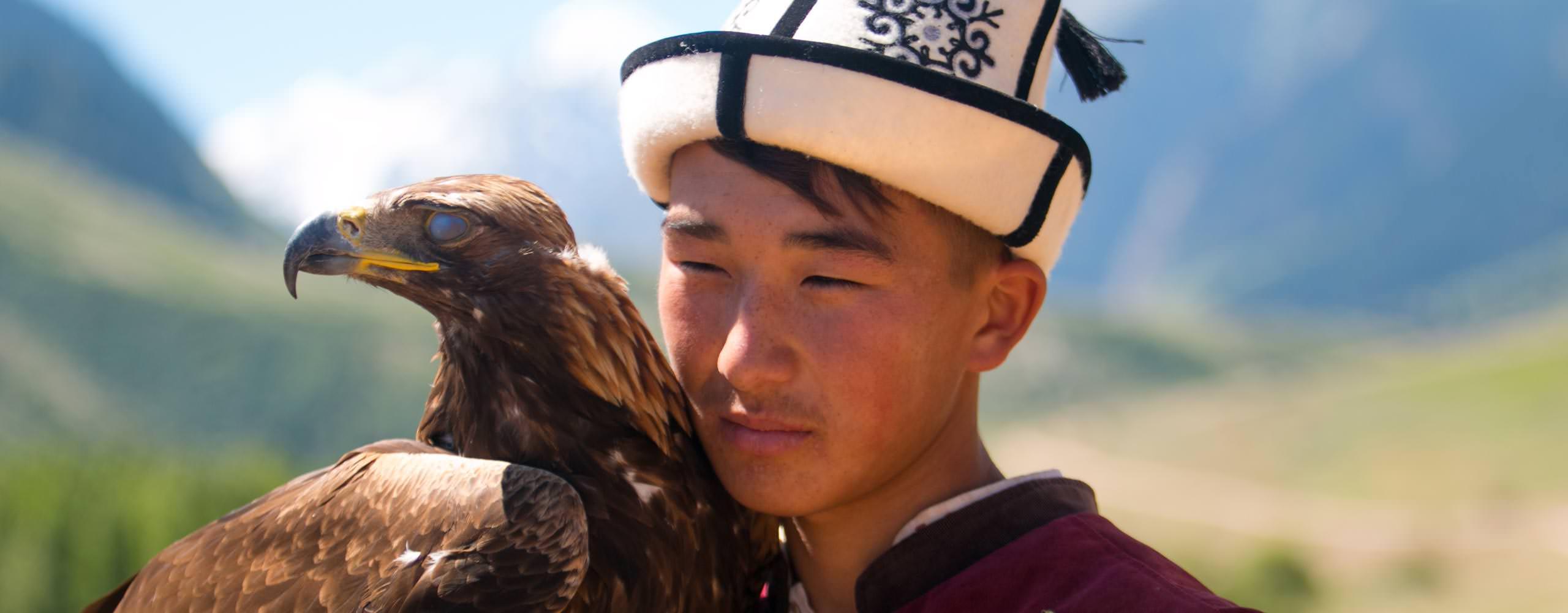 מפגש עם מקומיים בטיול ג'יפים לקירגיזסטן