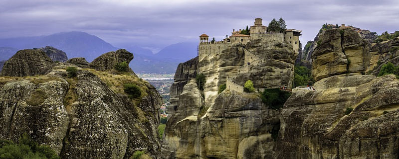 מטאורה: מנזרים תלויים באוויר