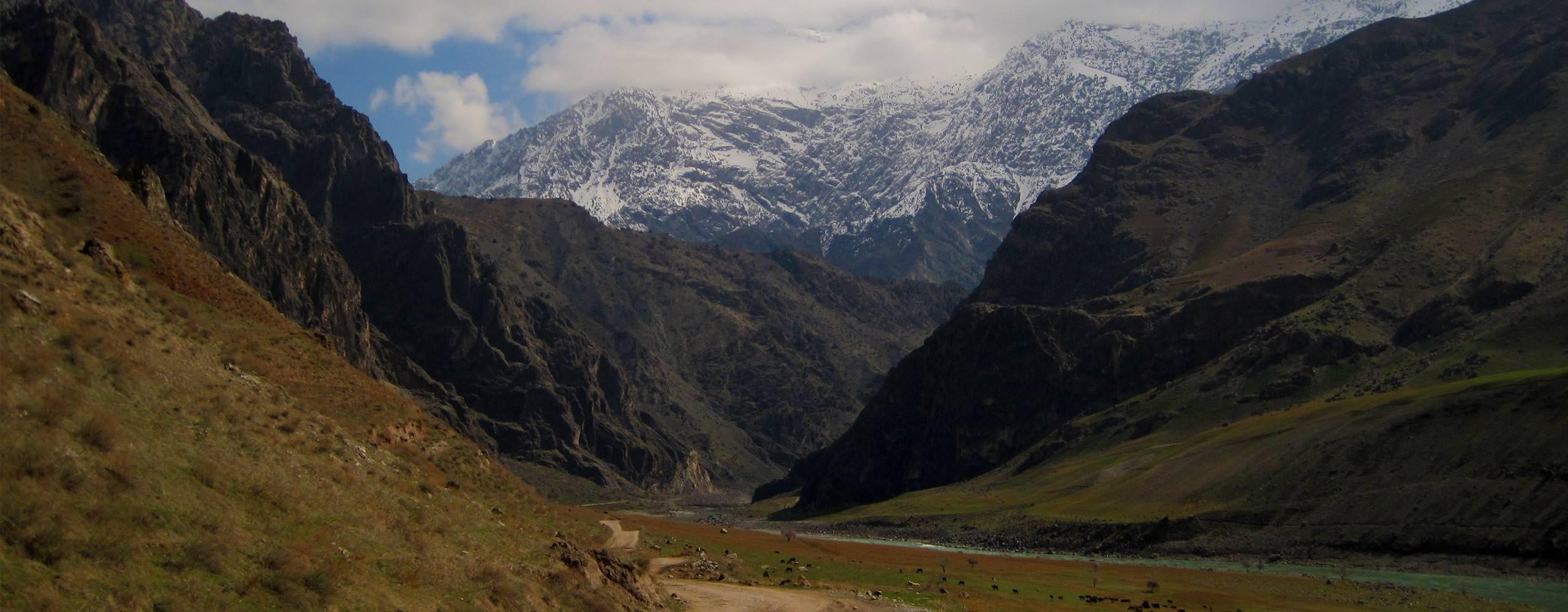 נופי רכס הפמיר בטיול ג'יפים לטג'יקיסטן