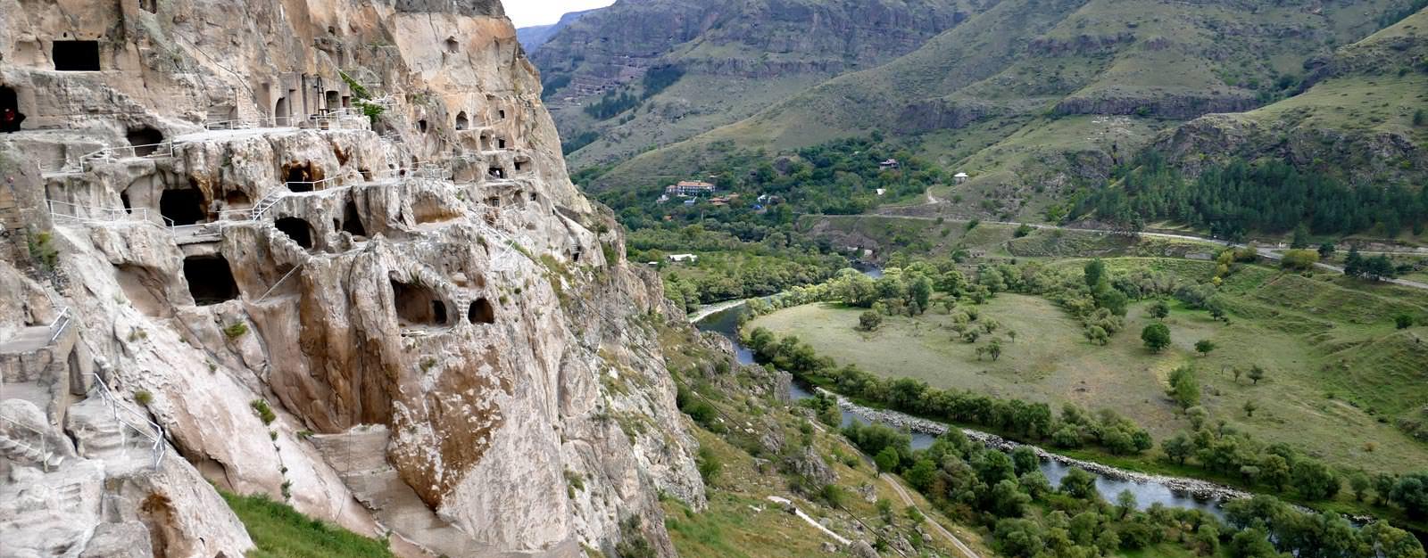 גאורגיה -עיר המערות וארדזיה