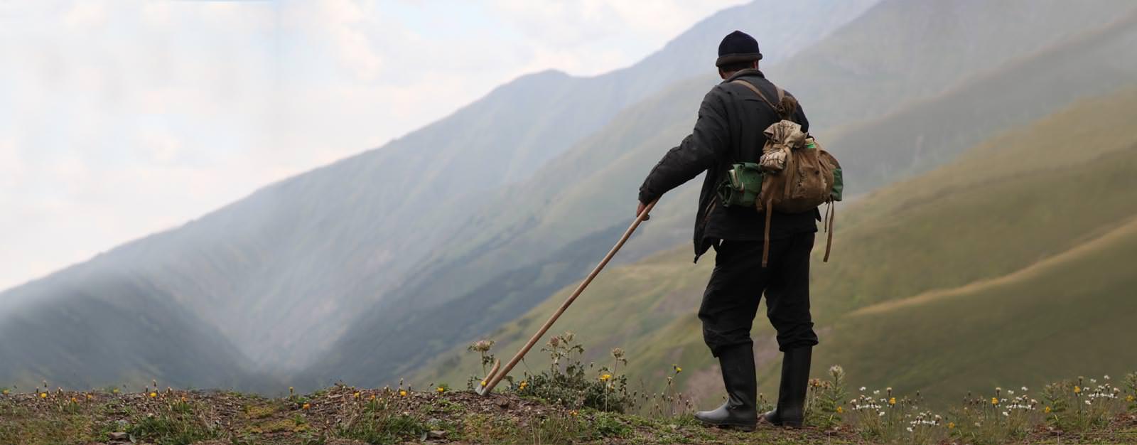 גאורגיה - רועה צאן בקווקז הגבוה